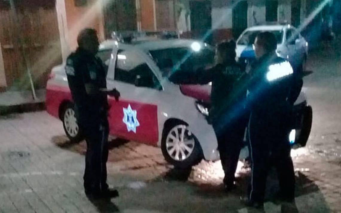 Camioneta embistió a patrulla rosa - El Sol de San Juan del Río